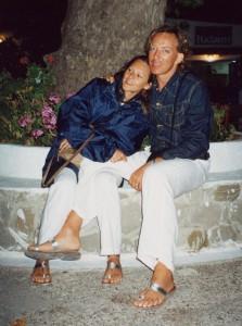 in ferie in Grecia, in una delle molte occasioni in cui ci vestiamo nello stesso identico modo... è un 'gioco' inutile ma che mi diverte sempre...