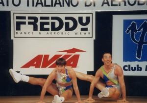 33 anni, campionato italiano di aerobica (hei, son quello dietro, mica quella davanti, eh)...