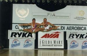 campionato italiano di areobica 1994 (hei, sono quello dietro !)