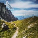 Verso Selva, sullo sfondo Alpe di Siusi